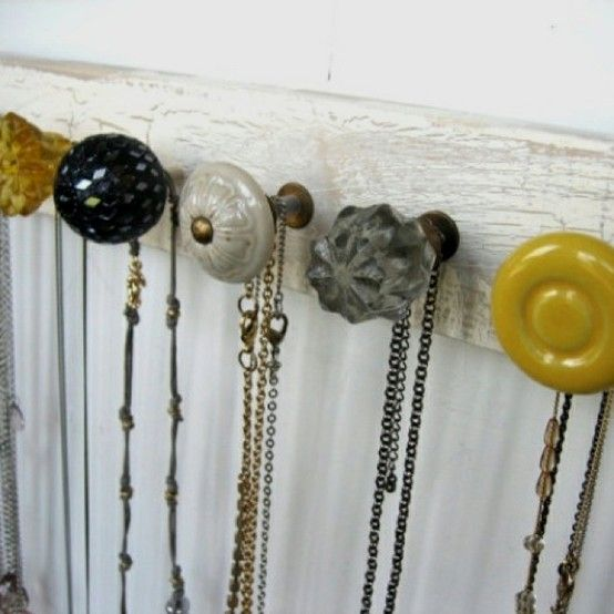 i am doing this!: Jewelry Hangers, Necklaces Holders, Hooks, Organizations, Necklaces Hangers, Cute Ideas, Doors Knobs, Drawers Knobs, Jewelry Holders