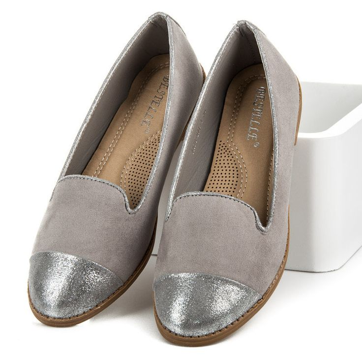 Ballerinas Comfortable and fashionable ballerinas for active women. Simple and elegant fashion will make the shoes fit all styling and will provide comfort throughout the day. The gray color and the silver nose make the characters look amazing. #Ballerines #gray #silver #elegant #comfortable #ladies #cheap #fashionable