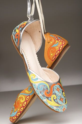 SAFA Fair Trade Shoes! You may have to look a little harder for ethical shoes, but when you find them--it is a match made in heaven!