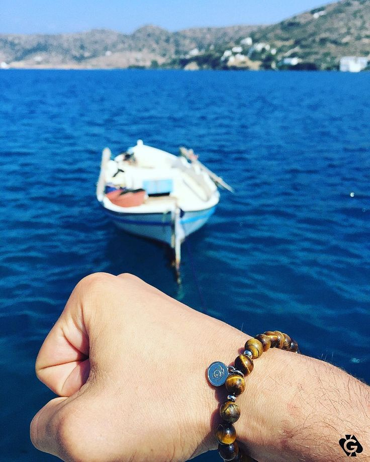 Our Tiger's Eye Bracelets inspire you every single day! Reflect who you want to be in life, and go for your dreams! #YourGamblers #YourLifeYourMove ♠️ Visit YourGamblers online. Link in Bio.