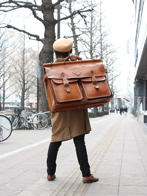 店長清水セレクトの看板用鞄 Oversized men's leather bag
