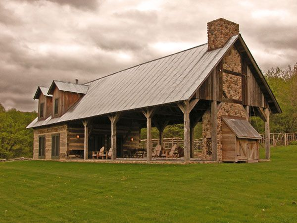 Best 25 prefab barns ideas on pinterest horse barns for Barn home builders near me
