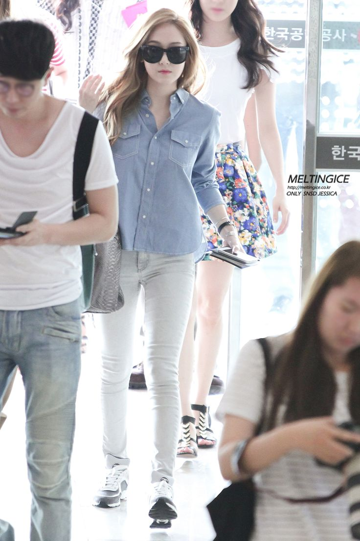 Jessica Jung Airport Fashion Jessica Jung Pinterest Airport Fashion Shirts And Spring