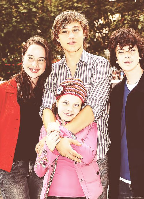 georgie henley and skandar keynes dating Georgie via twitter 1/21/17  georgie henley skandar keynes william moseley anna popplewell narnia narnian the chronicles of narnia lucy pevensie peter pevensie.