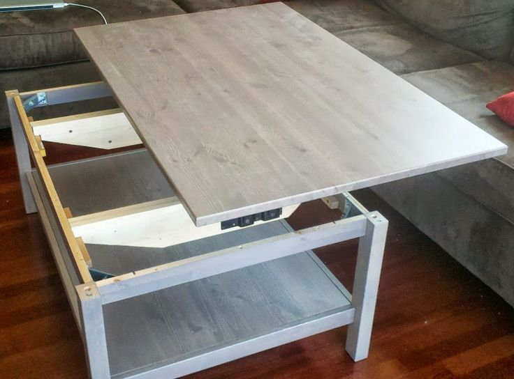 Découvrez la table basse relevable d'Adam, fabriquée sur une base de table basse HEMNES IKEA