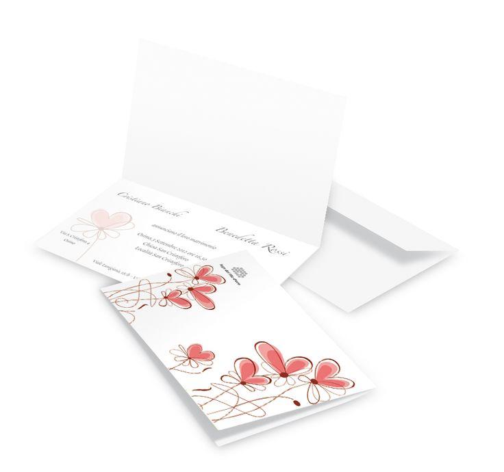 Partecipazione di matrimonio con cuori - Realizzata in carta pregiata di colore bianco e completa di buste coordinate.