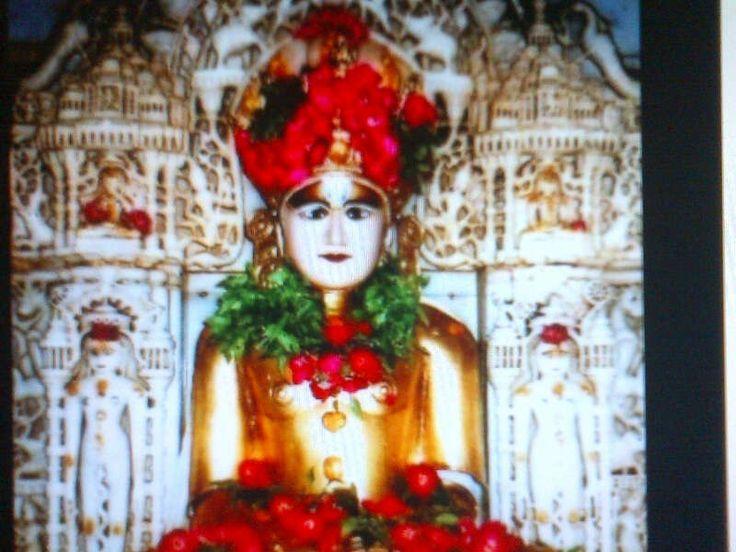 Shankeshwar parshwanath jain temple idol , Gujrat , India .