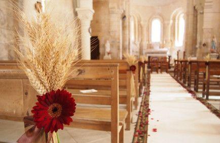 mariage a l 39 glise d coration florale champ tre avec. Black Bedroom Furniture Sets. Home Design Ideas