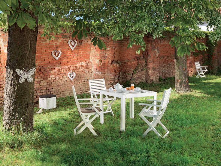Lemnul de accacia, alb lacuit, este deosebit de elegant. Masă Milano, 599 lei  #kikaromania #relaxare #gradina #mobilier #masa #scaune