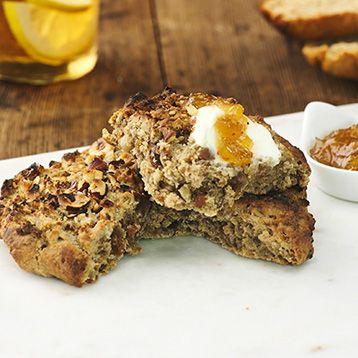Teff är ett nyttigt frö som kan användas till frukost, till middag och till bakning. Här är ett recept på ett glutenfritt bröd, det vill säga teffscones gjort på teffmjöl.