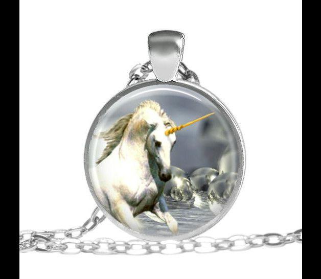 Einhorn-Halskette Silhouette-hängendes Einhorn von vintagelocket | fashn.de: Mode