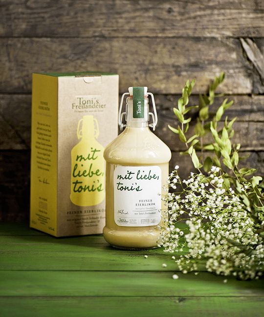 Toni's Egg Liqueur on Packaging of the World - Creative Package Design Gallery