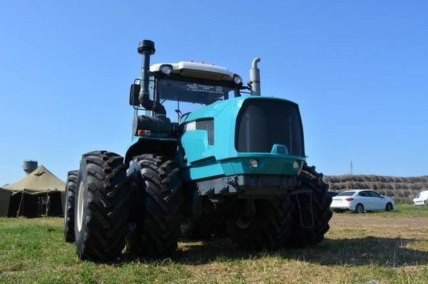 Український трактор ХТЗ-17221-21    Ukrainian new tractor HTZ - 17221-21