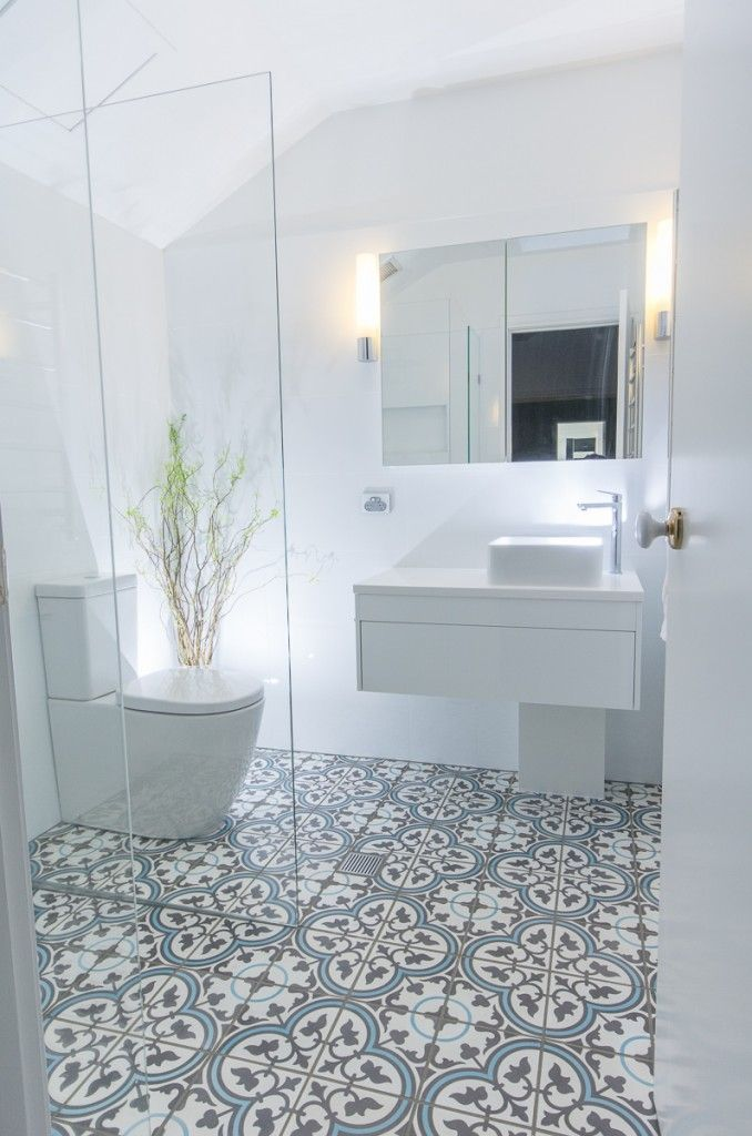 An ensuite retreat   Madame Bonbon  Fabulous floor tiles by Jatana  Interiors  no necesita. Best 25  Blue bathroom tiles ideas on Pinterest   Blue tiles