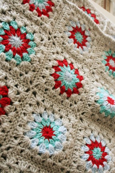 Crochet blanket - colour combo, Just makes me wanna wrap up in it and watch tv... Oh, my, love these colors. :)