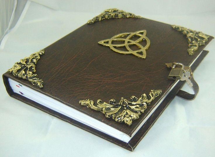 DUPLICADO - Livro das Sombras com Pentagrama cod.216