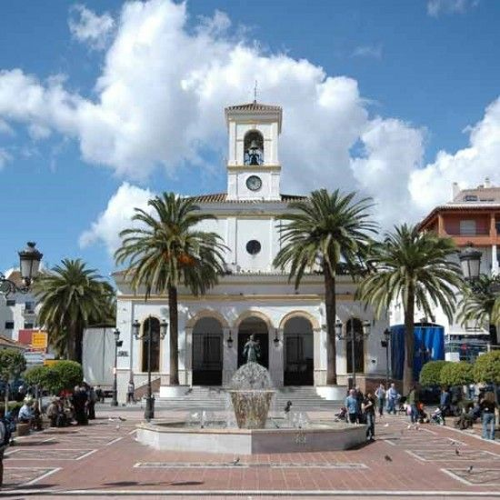 If you are coming to Marbella for your holidays, spend a day in San Pedro. You will love this beautiful Spanish town!!