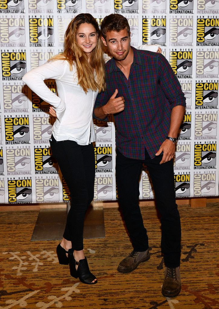 Theo James Photos: 'Divergent' and 'Ender's Game' Press Lines at Comic-Con