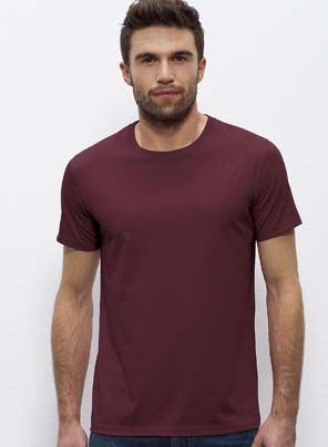 Old Mate classic round-neck men's #tshirt in Burgundy. Made in Bangladesh and Turkey, it's #fairtrade and made from 100% #organiccotton.
