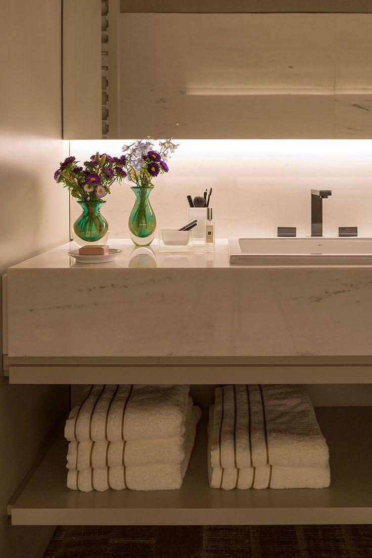 Veja como adaptar o banheiro de uso diário da casa para receber as visitas.