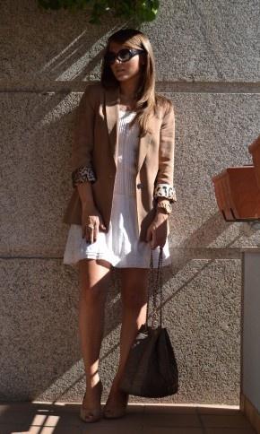 love the cuff on this blazer