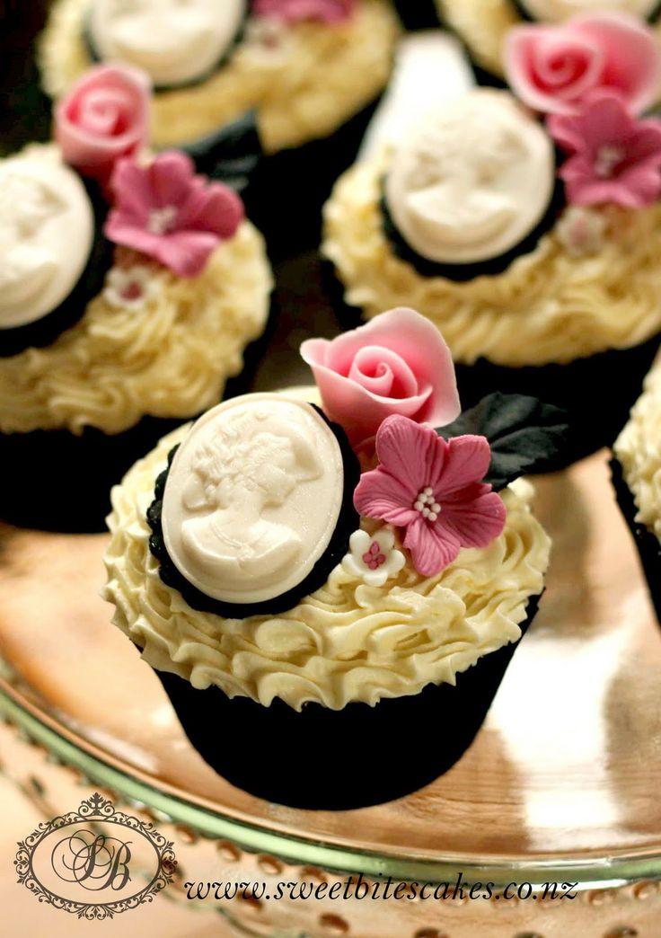 @Kathleen S DeCosmo Likes--> Victorian cameo cupcakes <-- gorgeous!!!!
