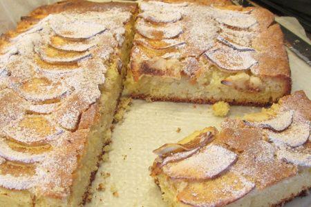 Appel/|Kaneel Plaatcake (met slagroom?)