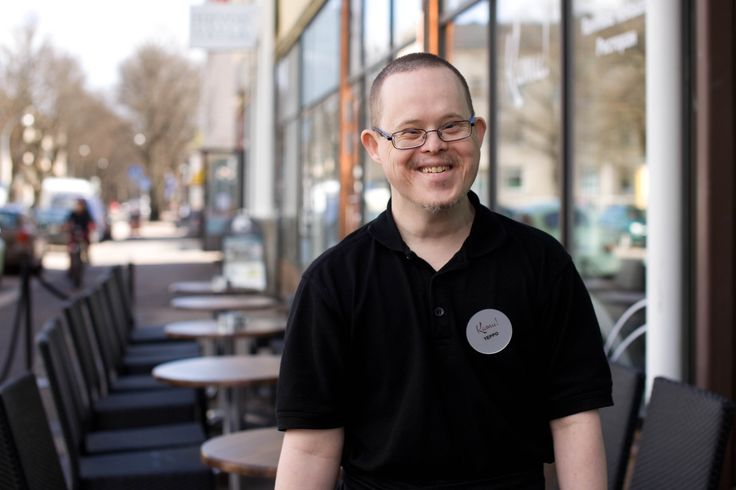 Kamu!-ravintola Haminassa tarjoaa työtä myös kehitysvammaisille työntekijöille.
