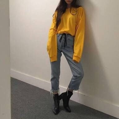 I love this look so much. I wish I could pull off the colour yellow