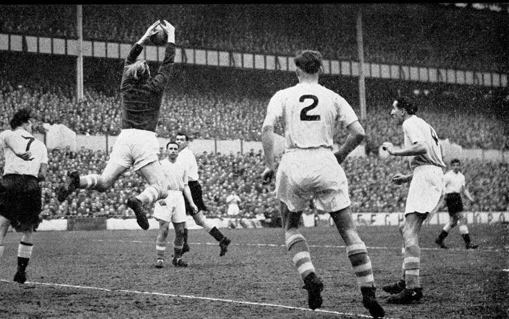 Tottenham 2 Man City 1 in March 1956 at White Hart Lane. City keeper Bert Trautmann catches this cross well #Div1