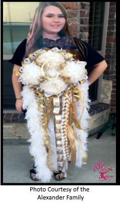 Mega Mum for Homecoming by Mums and Kisses, this is another photo of the Cally Mega Homecoming Mum. Thank you Cally and congratulations!