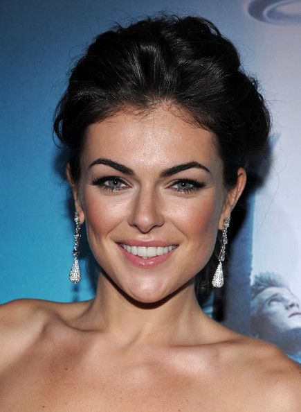 want my eyebrows to look like Serinda's