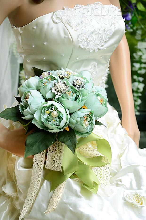 Elegant Green Rose with Pearl and Rhinestone Wedding Bridal Bouquet via ericdress.com