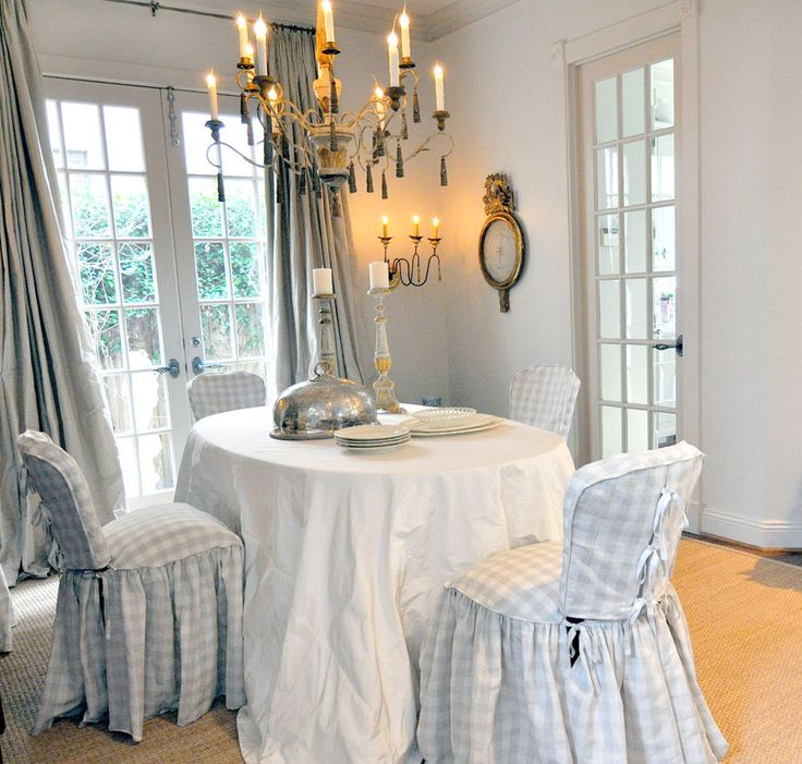 Cote de Texas | REstyleSOURCE. View the whole Inspiration Story on Joni Webb's Houston abode by clicking the image link!
