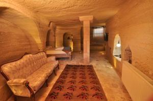 #Otel #Oteller #OtelRezervasyon - #Göreme, #Nevşehir - Kayatas Otel Göreme - http://www.hotelleriye.com/nevsehir/kayatas-otel-goreme -  Genel Özellikler 24-Saat Açık Resepsiyon, Bahçe, Teras, Sigara İçilmeyen Odalar, Aile Odaları, Hızlı Check-In/Check-Out, Emanet Kasası, Ses Yalıtımlı Odalar, Isıtma, Tasarım Otel, Bagaj Muhafazası, Otelde Mağazalar Mevcut, Restoran (alakart), Güneş Terası Otel Etkinlikleri Barbekü Olanağı, Bisik...
