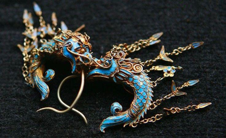 Dragon-designed hairpin