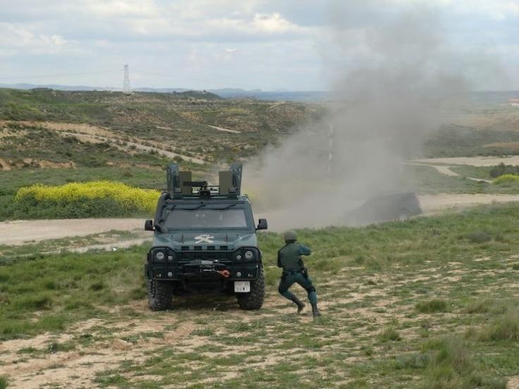 Exhibición del Grupo de Acción Rápida de la guadia Civil #guardiacivil http://replicas-airsoft.com