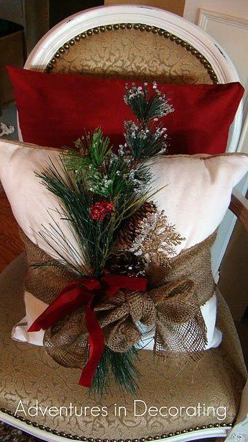 Decoración de la Navidad - almohada - Me encanta la envoltura de arpillera con la selección.  Le vendría 2 almohadas viejas .:
