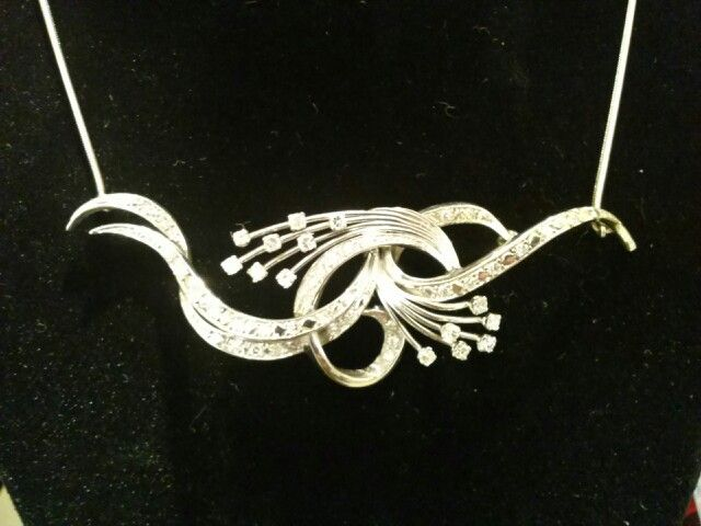 Beautiful necklace - perfect for a bride!