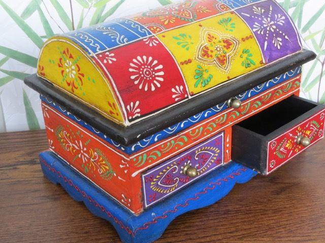 Treasure Jewellery Box: c