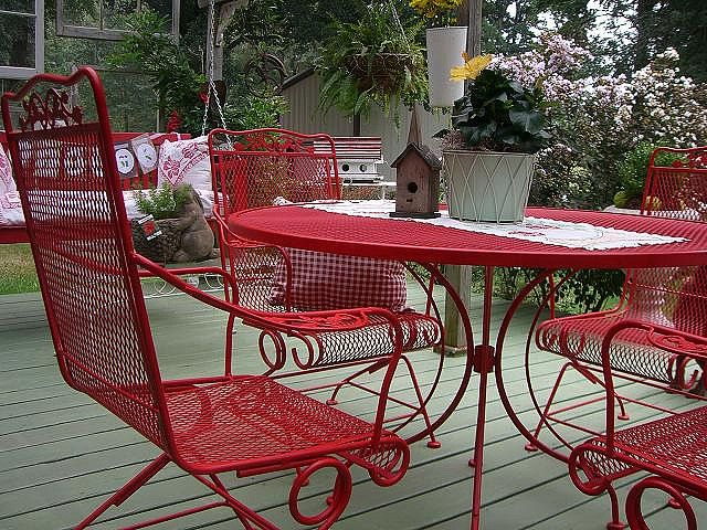 Red Patio Furnature (wire Retro Furn, Find It Free On CL And Refurbish It.