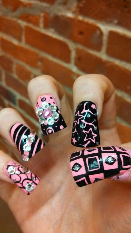 don't like the wideness of the nails but I like the design