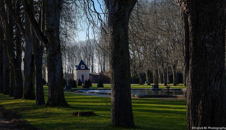 Château de Richelieu. Bassin près du portail d'honneur, 2015. Photo: Frank M.