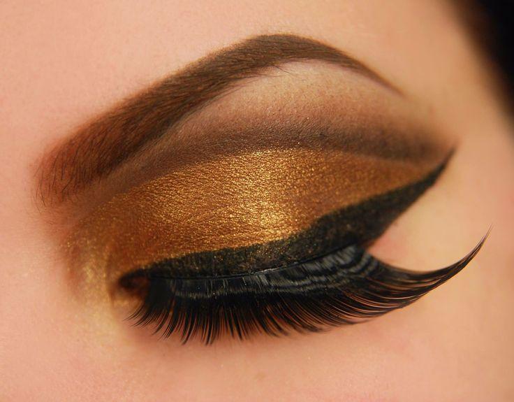 Gold cut crease