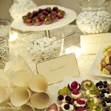 Confettata e dolcetti | Wedding designer & planner Monia Re - www.moniare.com | Organizzazione e pianificazione Kairòs Eventi -www.kairoseventi.it | Foto Oscar Bernelli