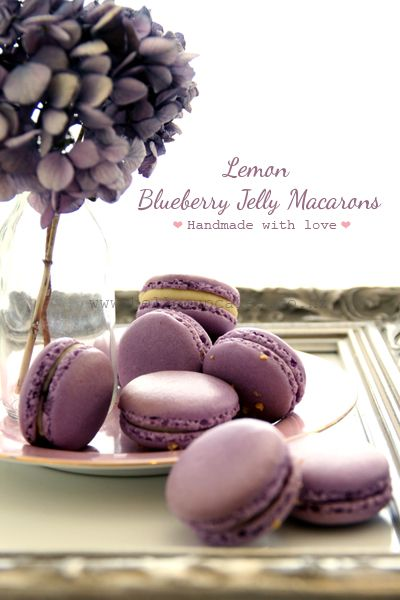 lemon blueberry jelly macarons