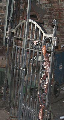 marco de puerta de hierro