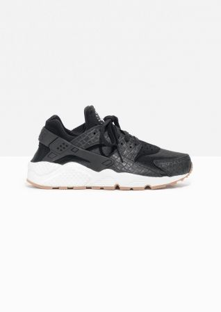 & Other Stories image 1 of Nike Air Huarache Run  in Black