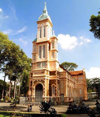 多数の仏教教会があるので教会巡りも良いかも。ベトナム 旅行・観光の見所を紹介!