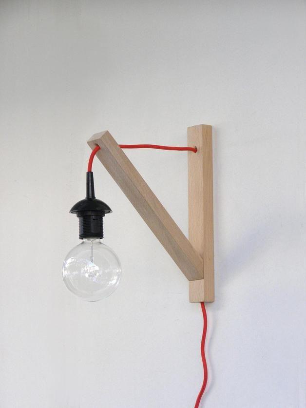 Minimalistische Wandleuchte aus Buchenholz // minimalistic wall lamp by Thalassa via DaWanda.com